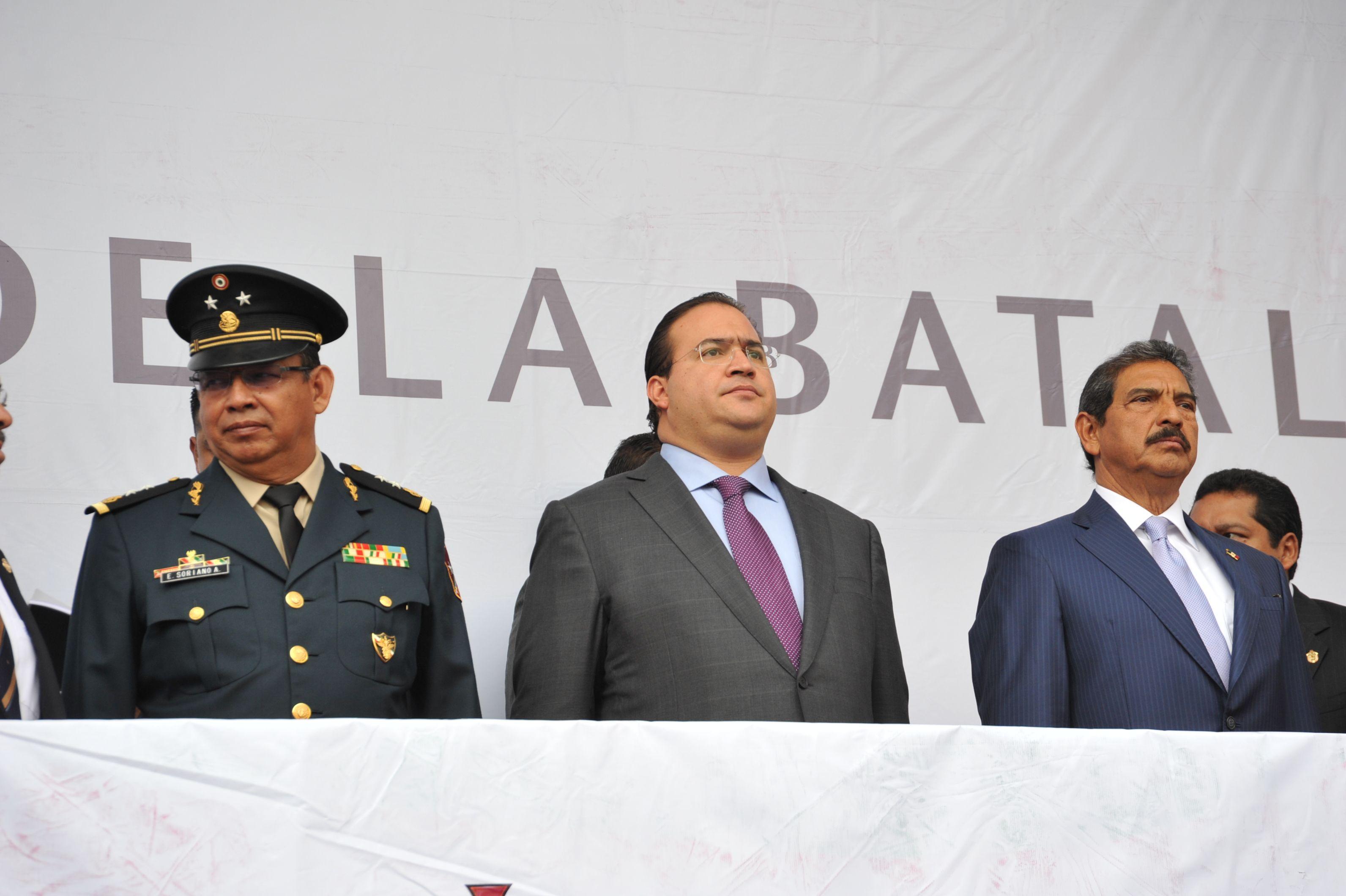 El Gobernador de Veracruz, Javier Duarte de Ochoa, presidió el Desfile Cívico-Militar Conmemorativo del 150 Aniversario de la Batalla de Puebla, el 05 de mayo de 2012, el cual se caracterizó por la coordinación, energía y entusiasmo de sus participantes.