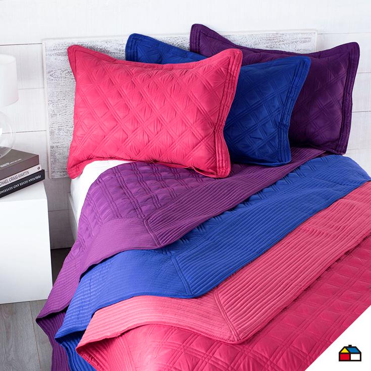 Nunca son demasiadas almohadas en tu cama sodimac for Decoracion hogar sodimac