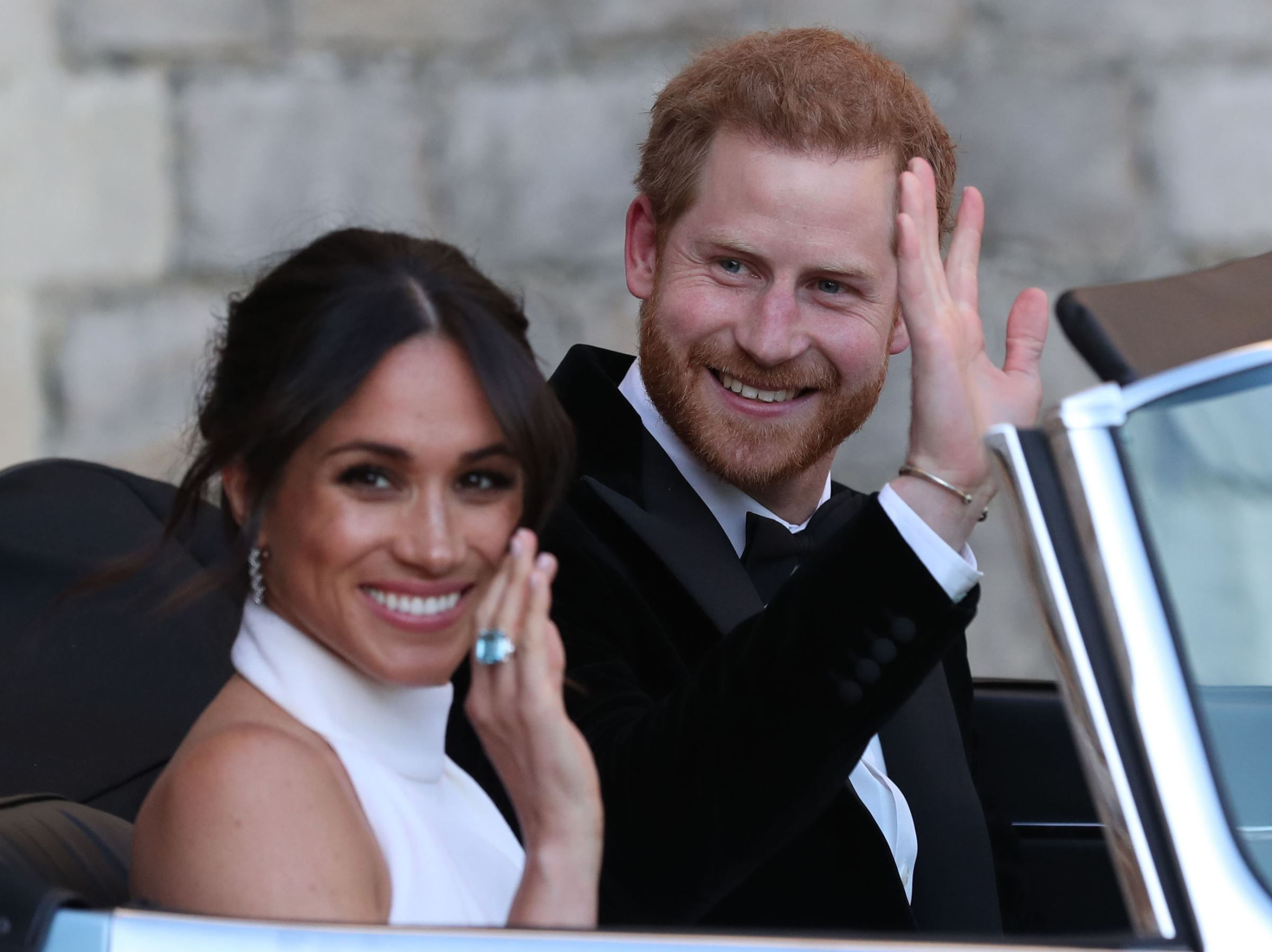Video Meghan Markle Et Le Prince Harry Fetent Leur Premier