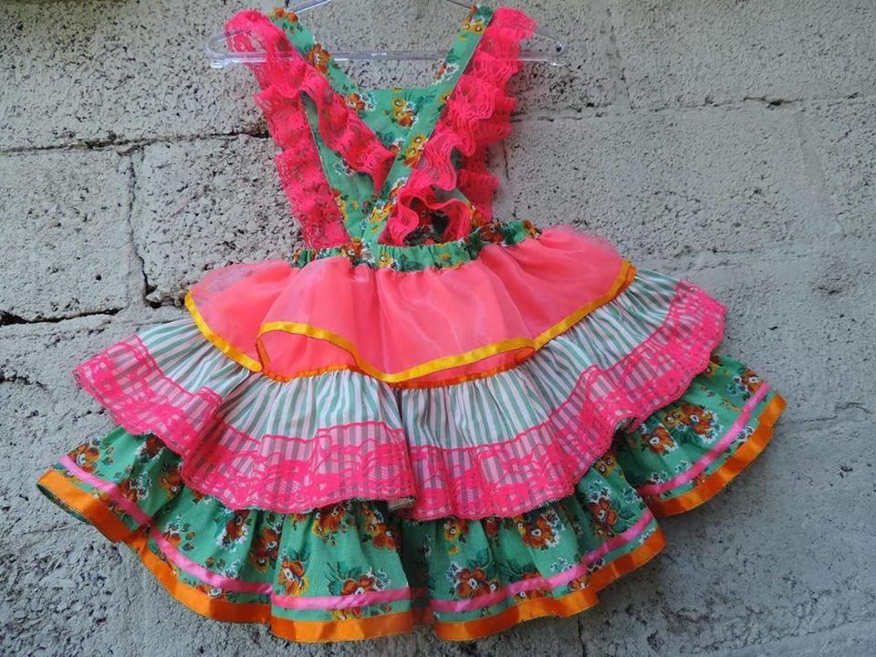 f915b5d78f29 Linda jardineira/vestido de são joão Feita com muito capricho, em todos os  seus