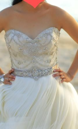 Used Lazaro Wedding Dress 3153 Size 2 Get A Designer Gown For Much Less On Preownedweddingdresses