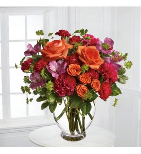 Same Flower Different Forms Which Centerpiece Stole Your Heart Fuchsia Delicately Reflexed Left Or Baccarat Square Right Entrega De Flores Rosas