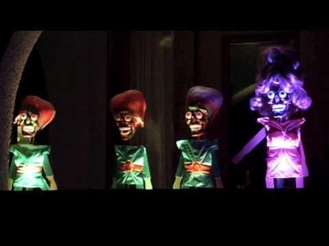 Halloween Street Puppets Russell Street In Berkeley S Elmwood
