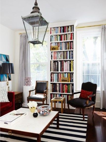 Living Room Bookcase (© Angus Fergusson)