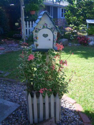 1000  images about Bird House on Pinterest | Birdhouses, Bird ...