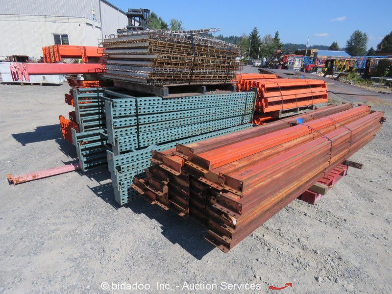 Lot of Industrial Warehouse Pallet Racking Shelving