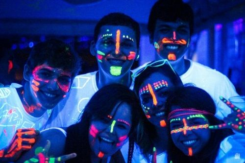 maquiagens com tinta neon - Pesquisa Google Disfrácese Pinterest