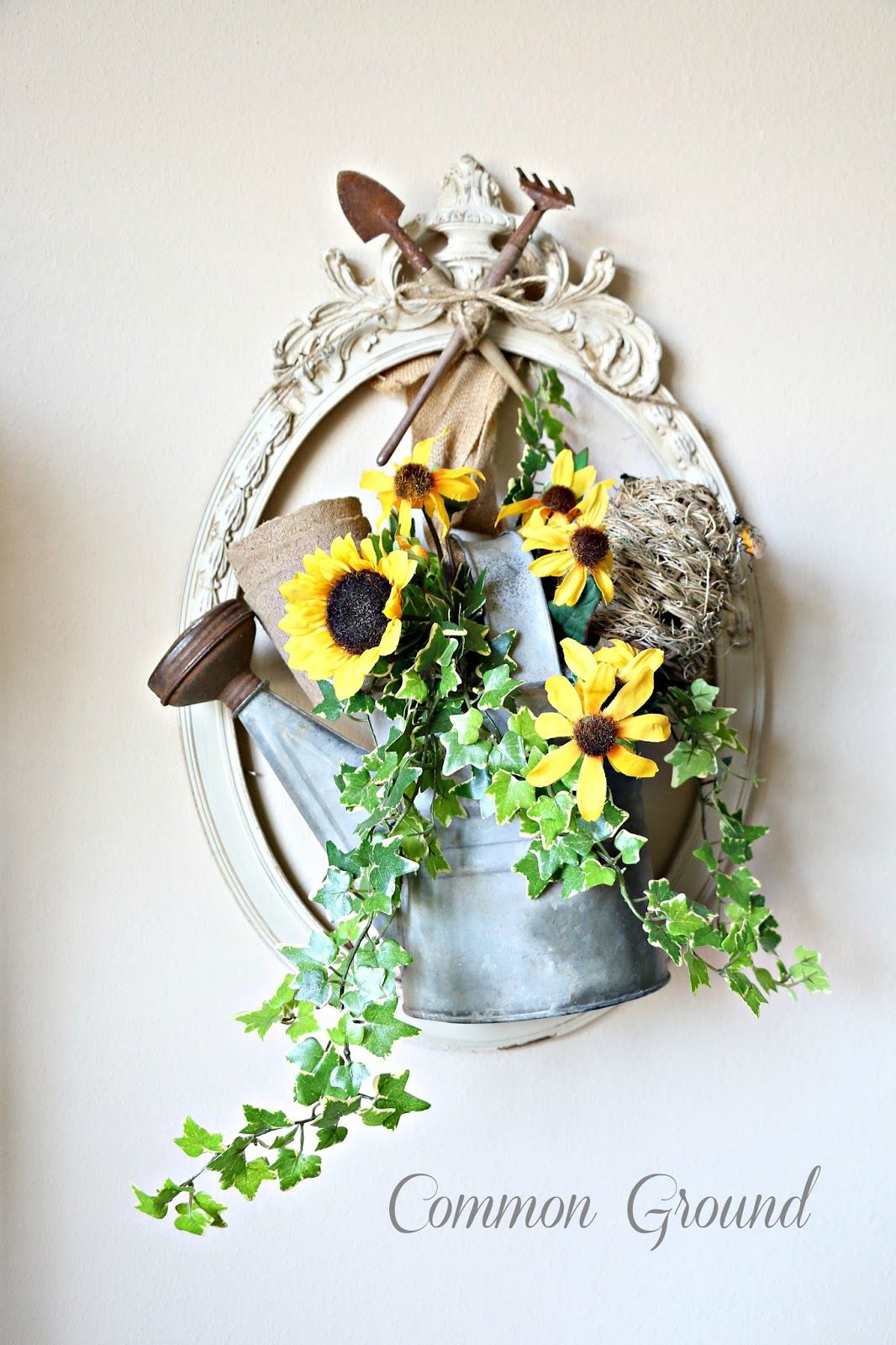 Just what I need.... Picture frame wreath, Frame wreath