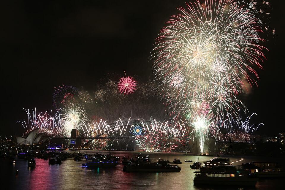 Nicole (nicolecorbin) 的 Twitter New year fireworks, New