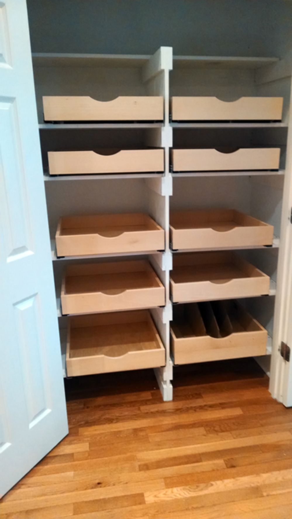 Pantry Pull Out Shelves | Pantry Shelving | ezeGlide #pantryshelving