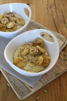 Ayurvedischer Hirse-Porridge mit gebratenen Aprikosen ...