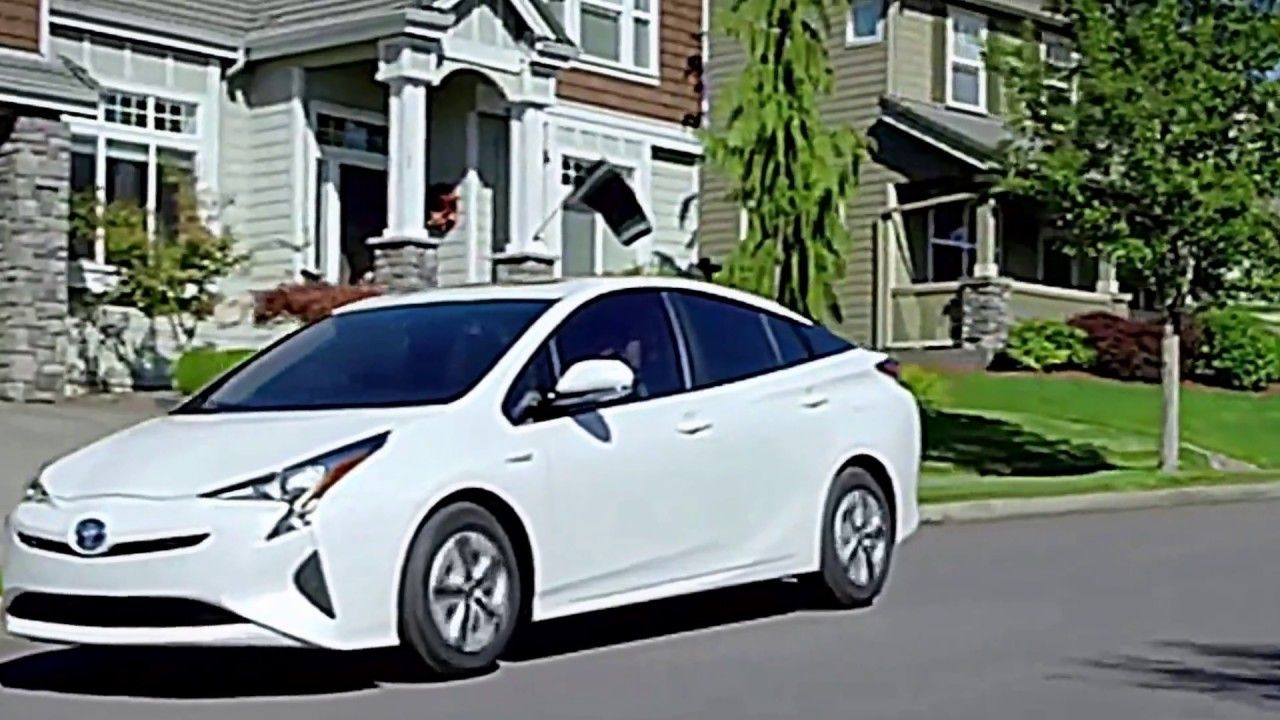 2017 Toyota Prius Review and safety