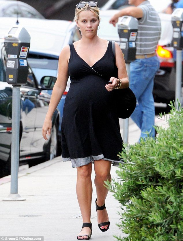 d0a6703d2ee08 Pregnant Reese Witherspoon 'healthy and fine' following hospital ...