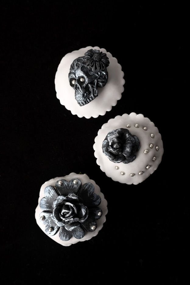 Goth Cupcakes  Dark Chocolate  Pinterest  Food Decorating Eat