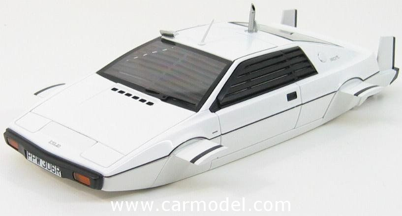 AUTOART 75306 1/18 LOTUS ESPRIT TYPE 79 SUBMARINE - SOTTOMARINO - 007 JAMES BOND - THE SPY WHO LOVED ME Skala:: 1/18Code: 75306Farbe: WHITEMaterial: Die-CastAnmerkung: TV SERIES