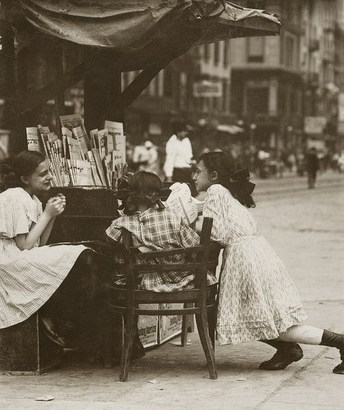 Canal Street; Tending Stand,NY,07 1910 by Lewis Hine