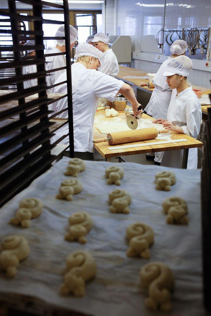 Opiskeluun sisältyy työssäoppimista leipomo- ja konditoria-alan yrityksissä. Ylioppilaspohjaisissa opinnoissa painotetaan kansainvälisyyttä.