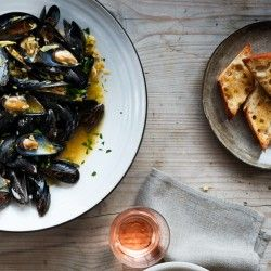 Steamed Mussels in White Wine Recipe - Bon Appétit