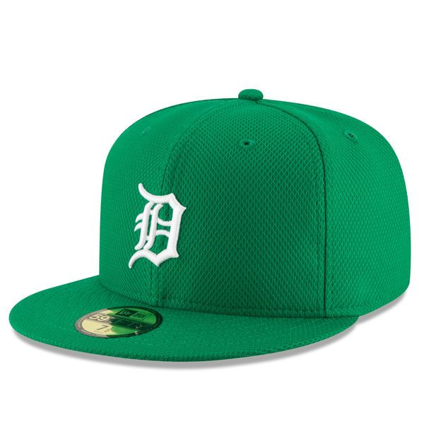 4ee1607956f Men s Detroit Tigers New Era Green St. Patrick s Day Diamond Era 59FIFTY  Fitted Hat