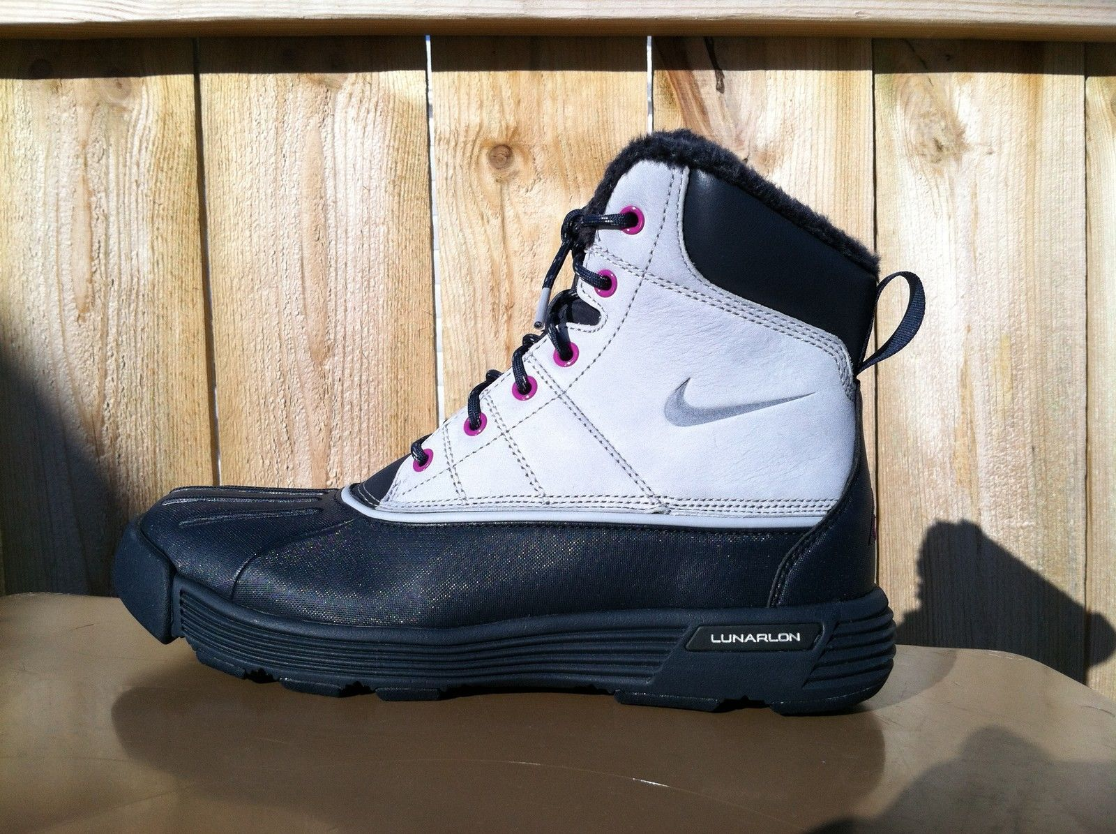 NEW WOMENS NIKE ACG LUNARSTORM WATERSHIELD BOOTS-WINTER-HIKING-CASUAL-SIZE 7