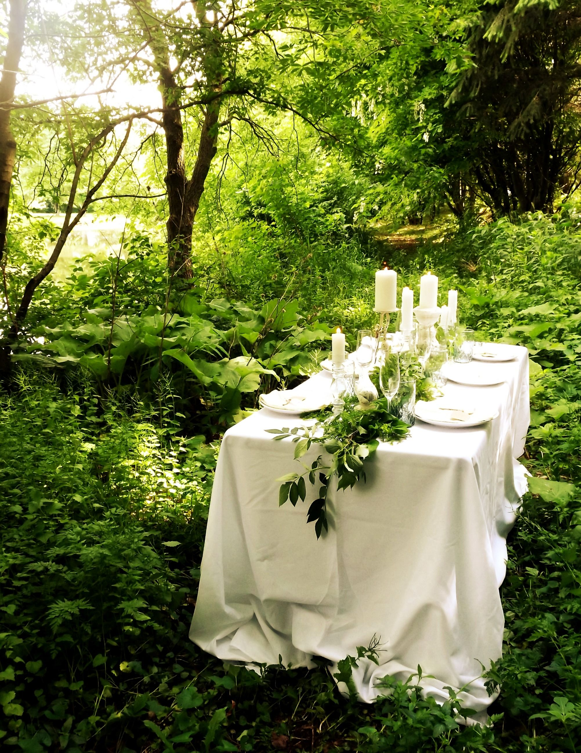 Garden Theme Wedding - Table Setting Photo: Two Sisters Event Design ...