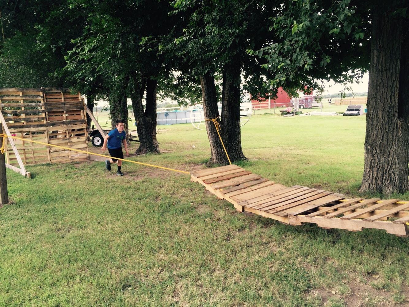 Pallet obstacle course | Backyard obstacle course, Kids ...