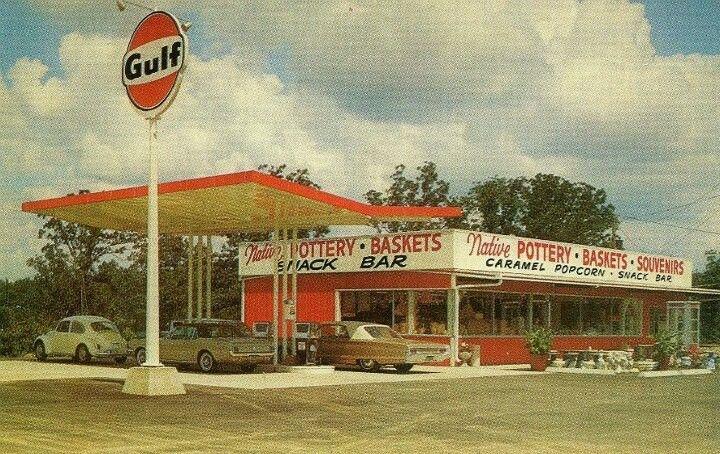Gulf Gas Station Near Me >> 1960 Gulf Station Old Gas Stations Gas Station Gas Service