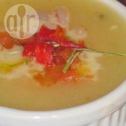 Caldo de mandioca com camarão @ allrecipes.com.br - Caldo de mandioca (aipim) cremoso com camarão frito no azeite. É uma maravilha naqueles dias bem frios!