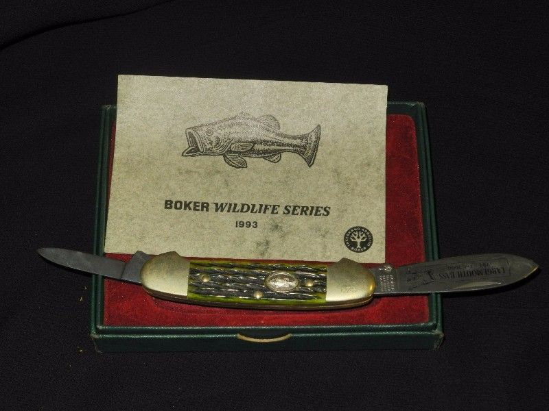 Boker Collectable numbered copy pocket knifein box with certificate - copy certificate picture