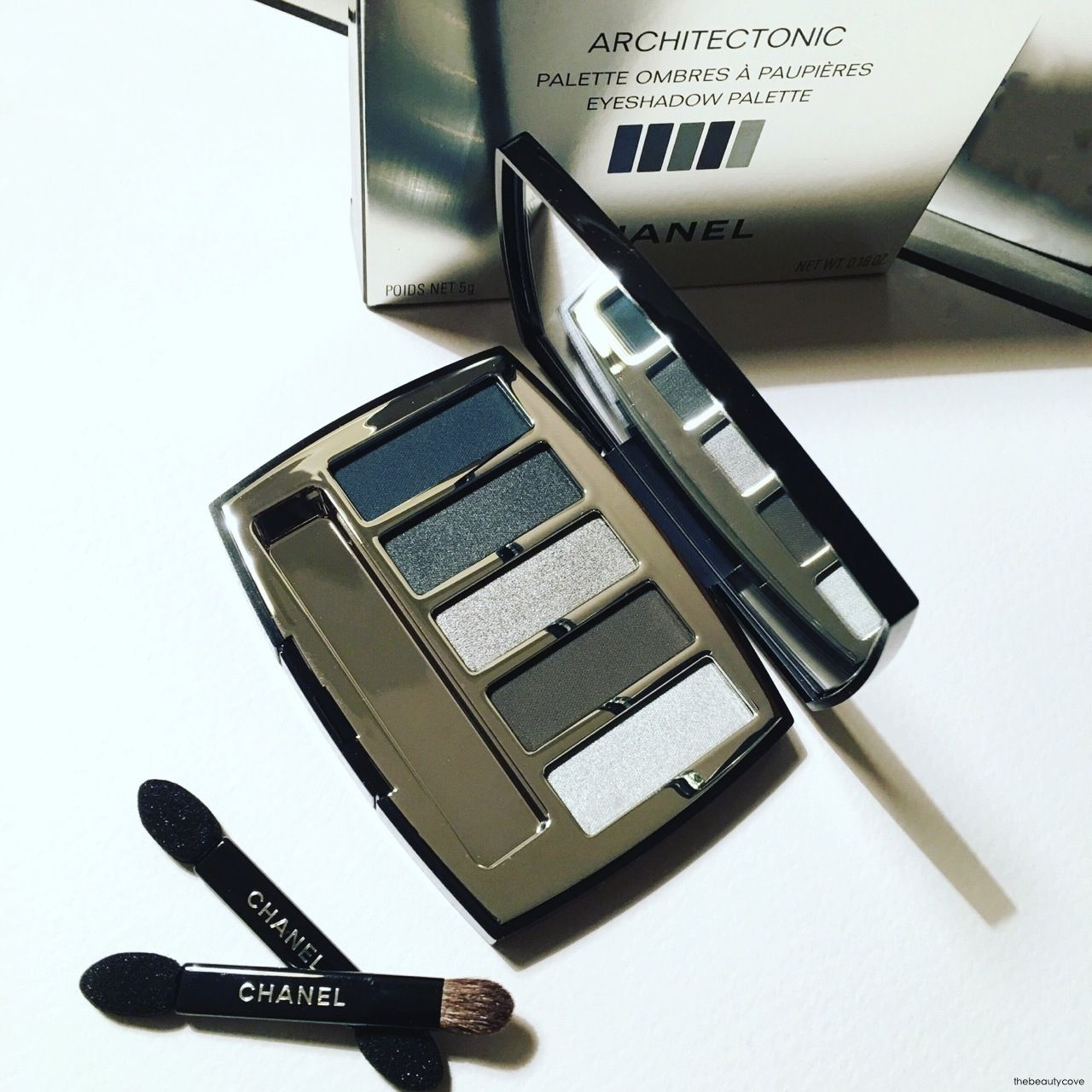 The Beauty Cove: CHANEL MAKEUP • COLLECTION LIBRE - SYNTHETIC DE CHANEL • NATALE 2016