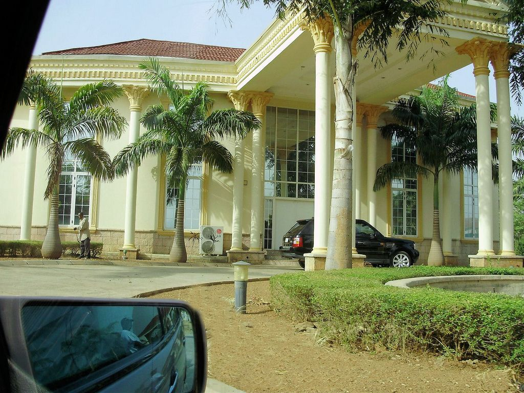 Mansions in nigeria pics you can post more pictures - Exterior painting ideas in nigeria ...