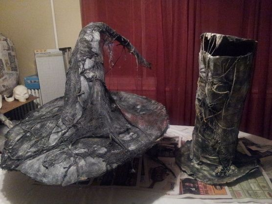 Yes2 light coats black wal mart spray paint, enough to cover - walmart halloween decorations