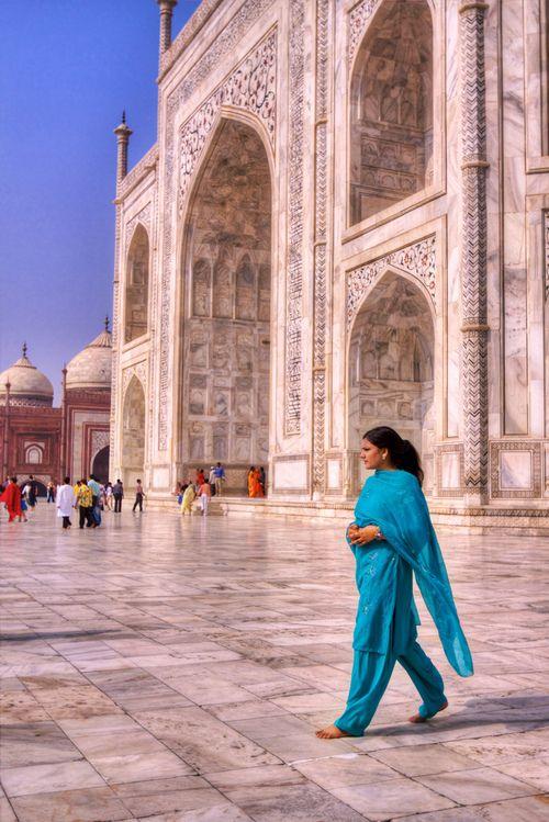 Flowing Color on Marble - Beneath the Taj Mahal (by Daniel Peckham)