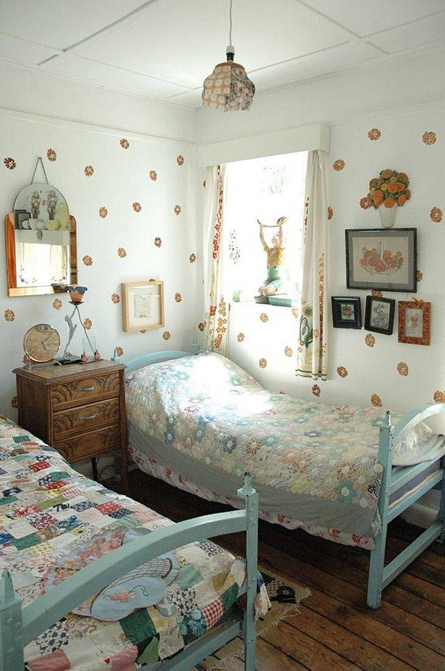 Hello A Lovely Turquoise Weatherboard Cottage In Kent Uk To End The Week Love The Light Bright Open Sp Bedroom Design Bedroom Vintage Kids Bedroom Designs Cottage bedroom ideas uk