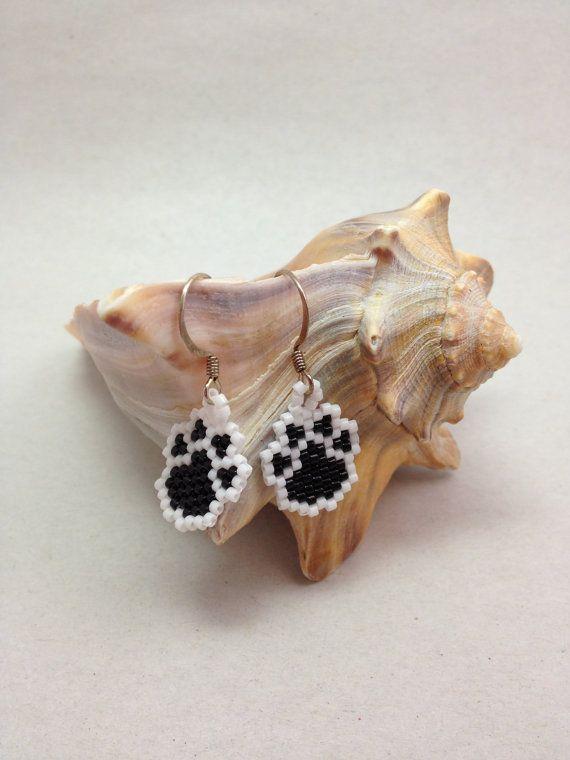 little paws beadwoven earrings ohrringe pinterest. Black Bedroom Furniture Sets. Home Design Ideas