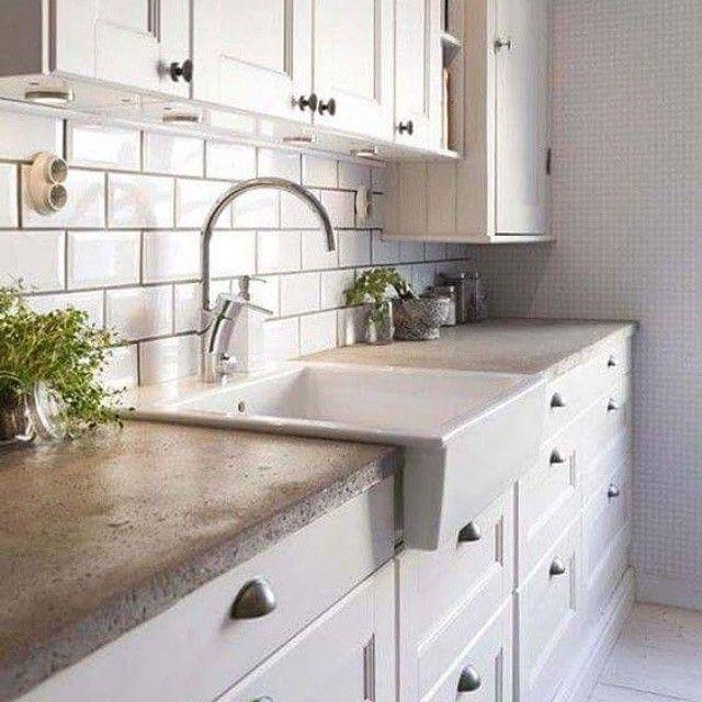 Lobna Ossama On Instagram مطبخ أنيق أبيض استخدام المساحات ديكور داخلي ديكور رمادي مشرق Concrete Countertops Kitchen Stylish Kitchen Concrete Kitchen