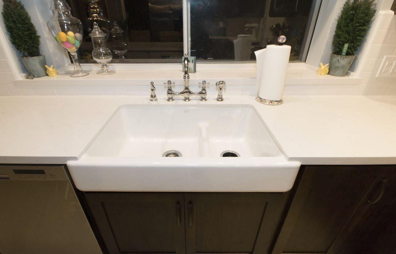 Kohler whitehaven apron sink - Kohler Whitehaven Smart Divide In White With Caesarstone Frosty Carina And Chrome Bridge Faucet