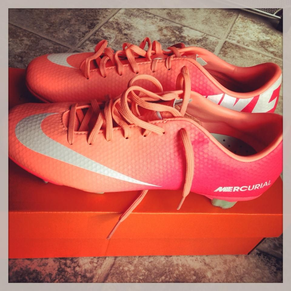 Feast your eyes on these beautiful #Nike Women's #Mercurial Veloce cleats.