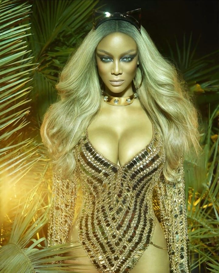 Tyra Banks Gets Fierce For Paper Magazine Photos 99 3 105 7