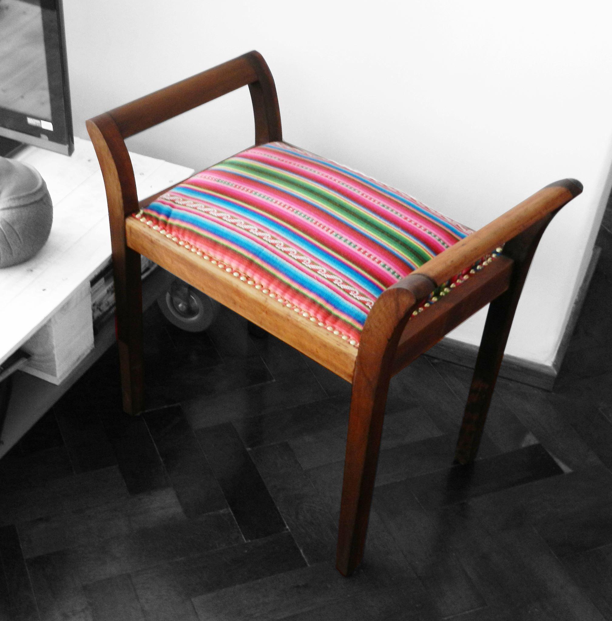 Vendida Banqueta Antigua Madera Y Aguayo Original Boliviano  # Muebles Reciclados Originales