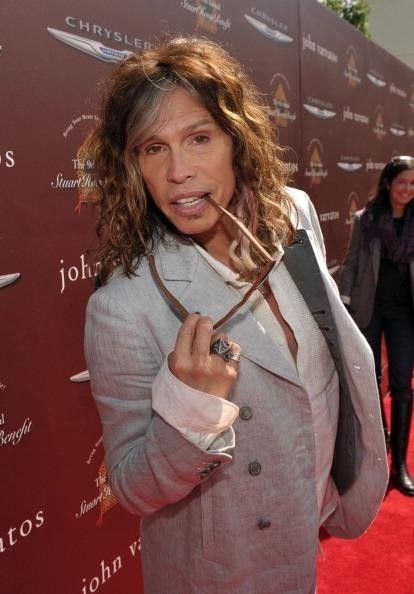 Steven Tyler Donates And Time To Childhood Cancer Research