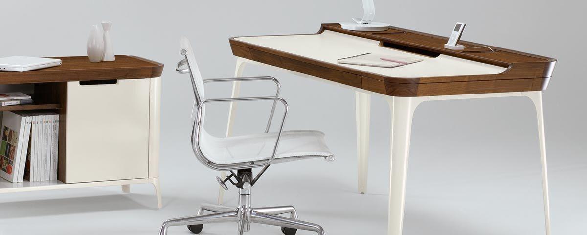 Bureau Airia par Herman Miller | Desks, Favorite color and Woods