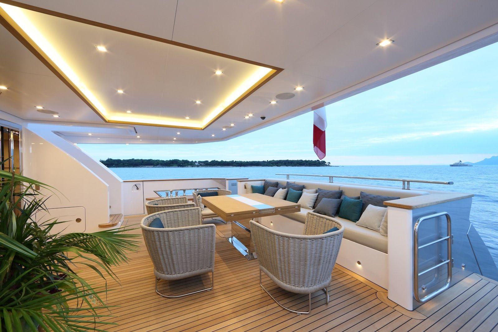 Luxury superyacht keyla interior by hot lab luxury yacht charter - Columbus 40s Hybrid Interior Design By Hot Lab