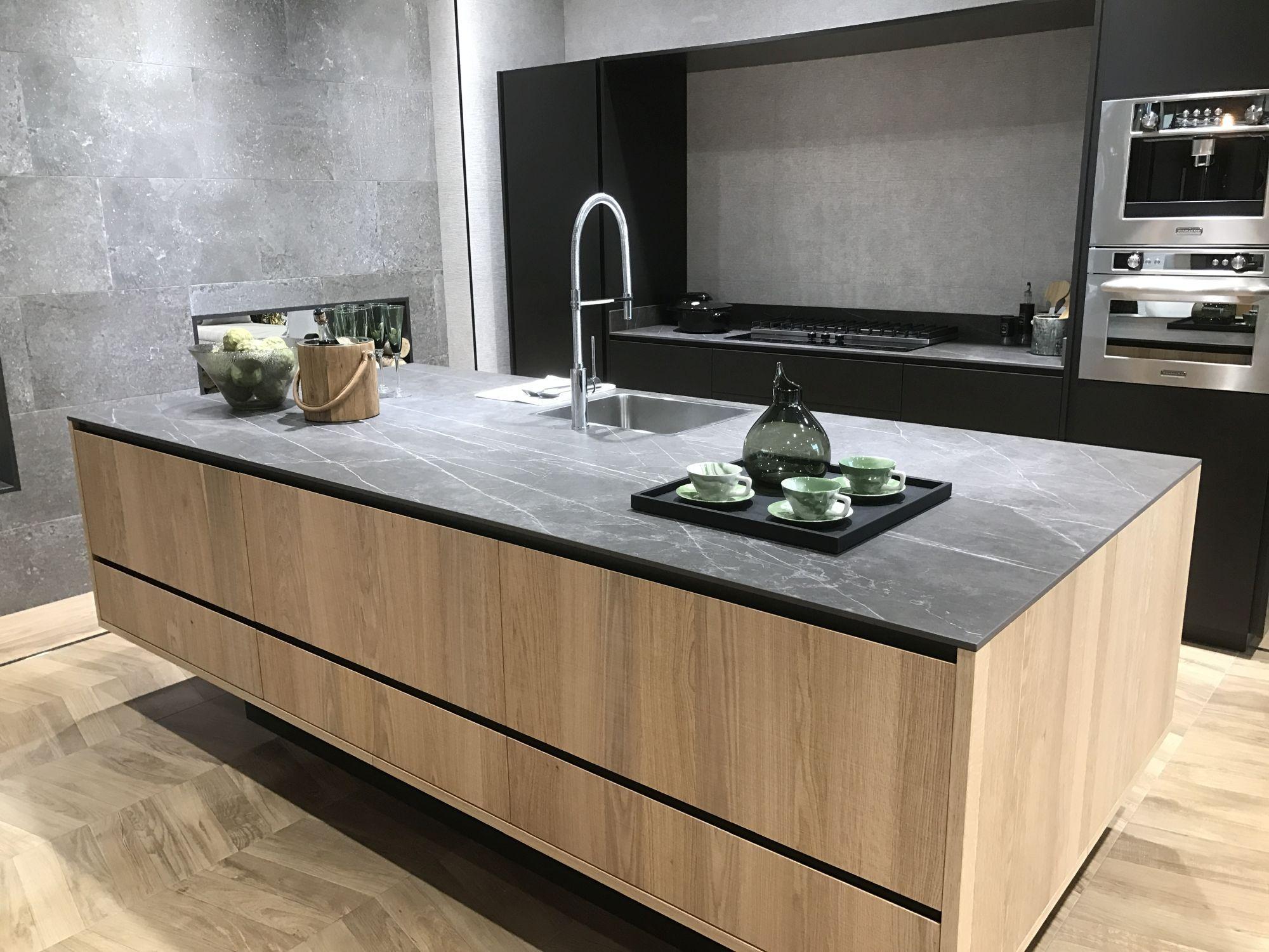 Porcelanosa Design Festival In Valencia Opening Doors To An Inspiring 2017 Modern Oak Kitchen Modern Kitchen Kitchen Design