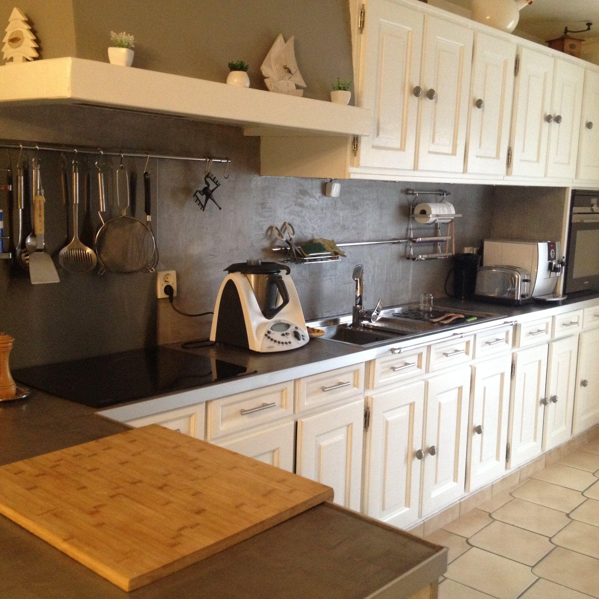Renovation Complete D Une Cuisine Avec Beton Interieur Renovation Et Renovation Multi Support Co Peindre Meuble Cuisine Meuble Cuisine Plan De Travail Cuisine