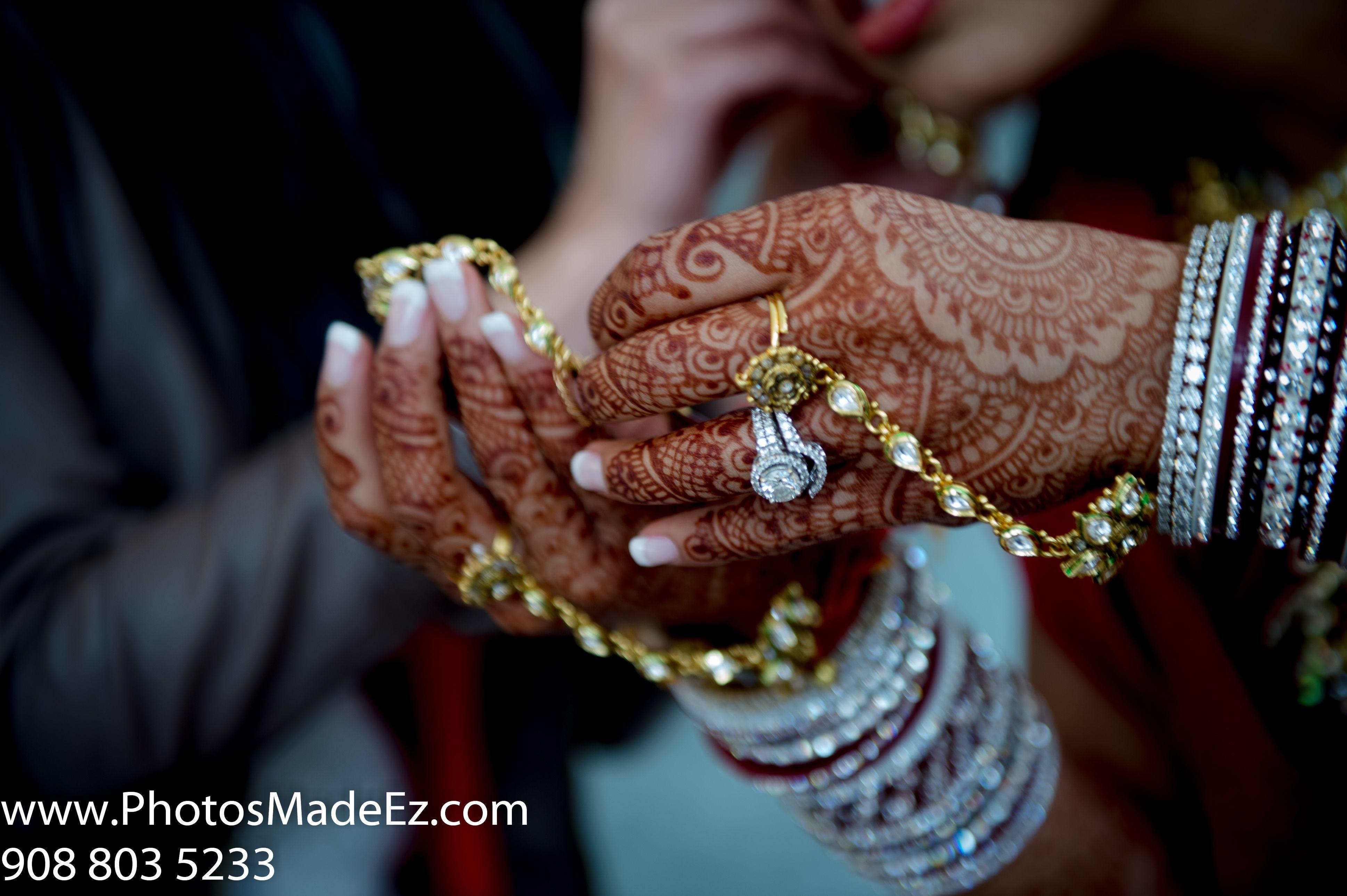 Ring Photo in Sindhi & Punjabi Wedding by PhotosMadeEz in