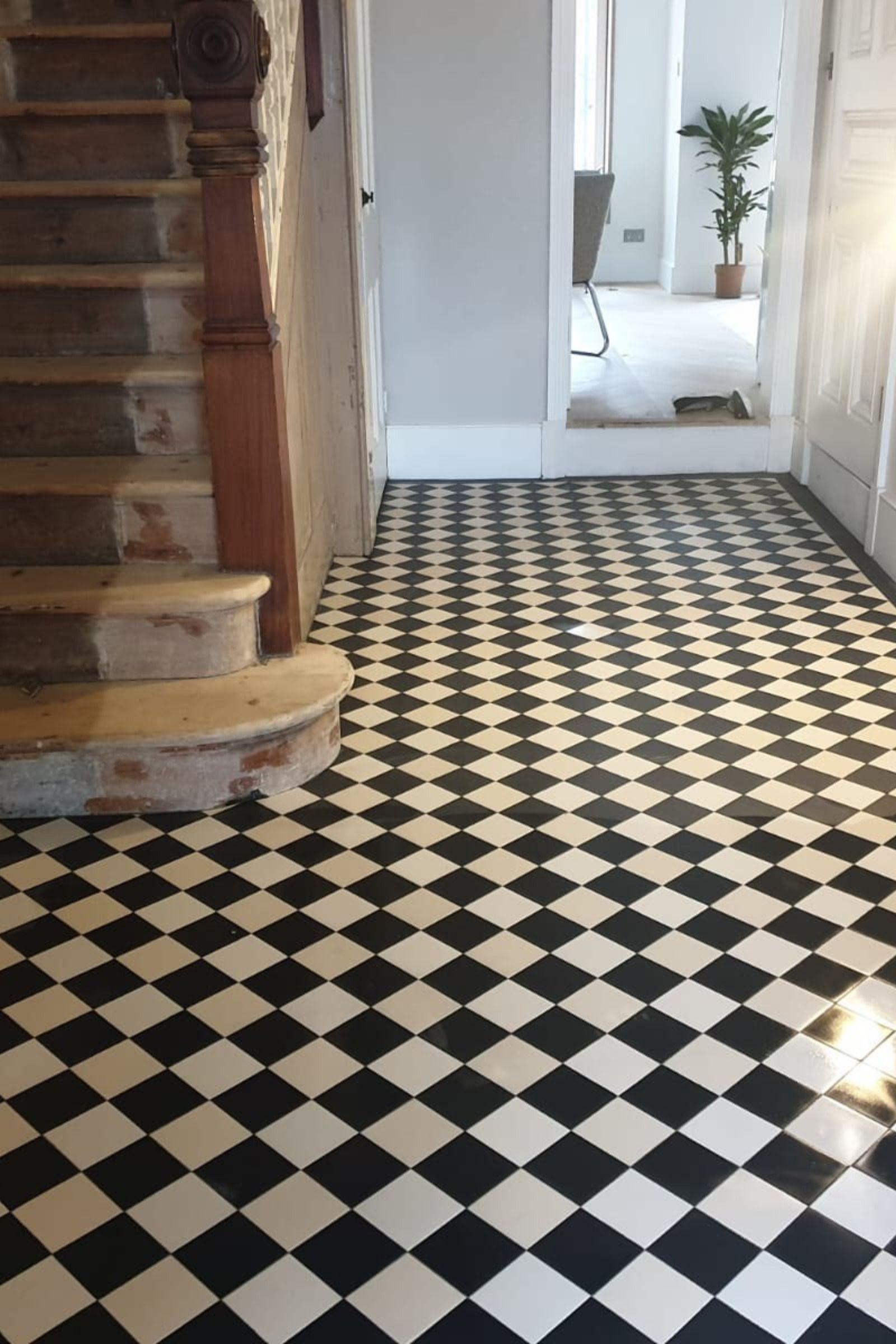 London Mosaic Chequerboard Hallway Floor Tiles Www Londonmosaic Com Contac Chequerboard Contac Floor Hallway London Mosaic Tiles Wwwlondonmosa 2020