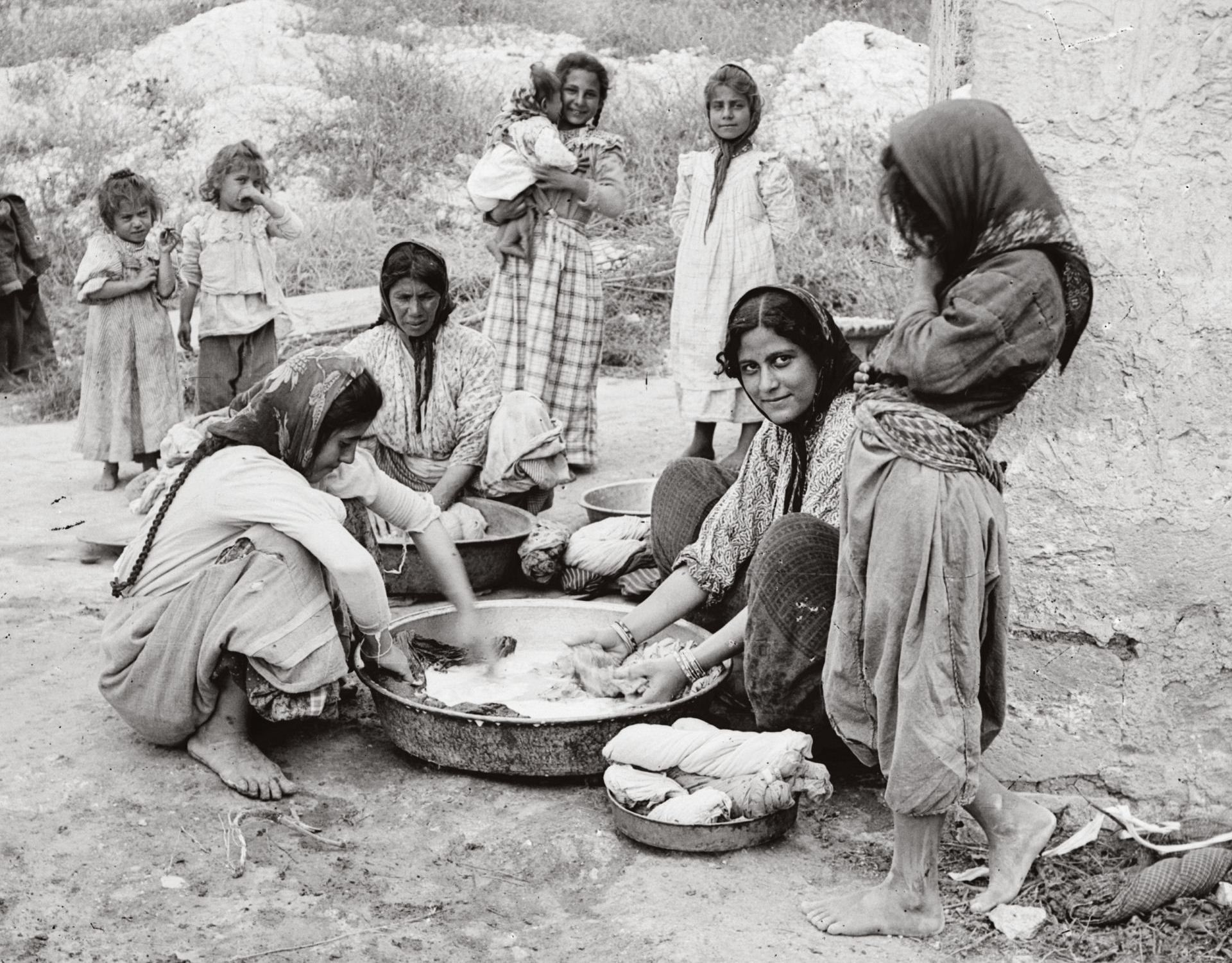 nazareth middle eastern single women Beautiful middle eastern women  sabeti headed a group which used advanced genomic sequencing technology to identify a single point of infection from an animal .