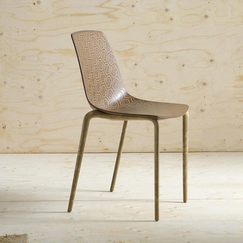Chaise Ecologique Recyclee Design Et Empilable Alhambra 4 Pieds Com En 2020 Chaise Plastique Chaise De Salle A Manger Chaise