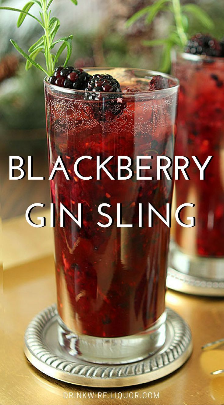 A Refreshing And Beautiful Cocktail With A Hint Of Rosemary Combined With Blackberries To Make It Perfect For Any Time Of Ye Yummy Drinks Blackberry Gin Drinks